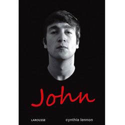 Capa do livro biográfio de John Lennon através de Cinthia Lennon, a primeira esposa do John